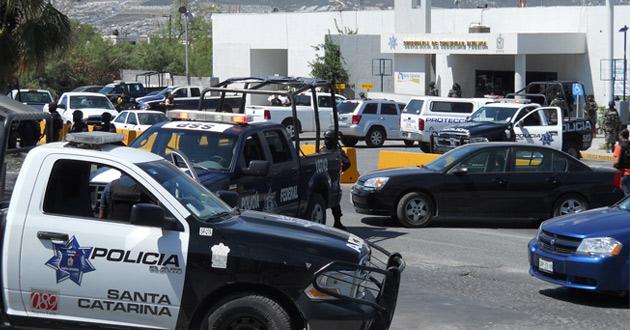 noticias monterrey cesan a policías de Santa Catarina