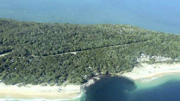 noticias internacional socavón se traga playa en australia