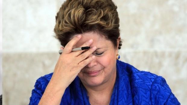 Brasil elimina 8 ministerios por crisis política y económica