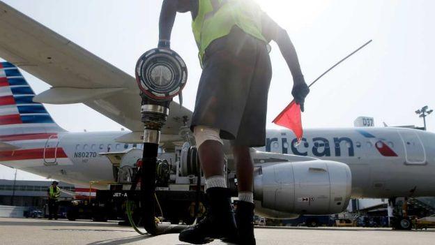 Muere piloto de American Airlines durante vuelo en EU