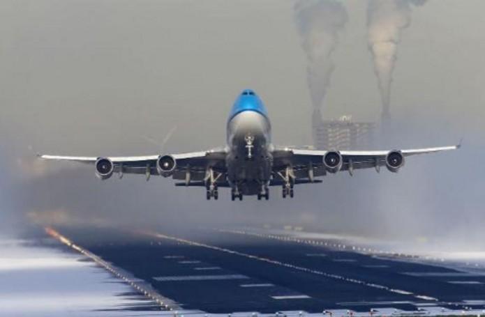 klm_b747_take_off_18l_snow_blasting_8251202935
