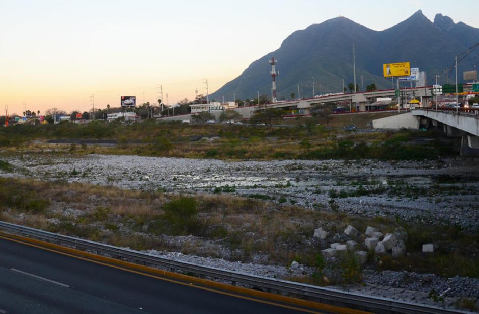 Desaprueba conagua estadio en el r o santa catarina for 11 marine terrace santa monica
