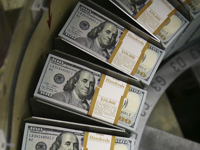 El dólar podría rebasar los 20 pesos.