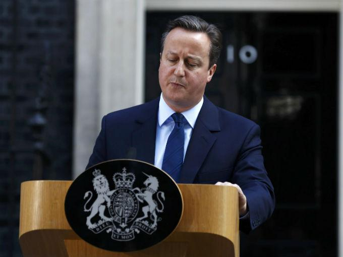 David Cameron anuncia su dimisión.