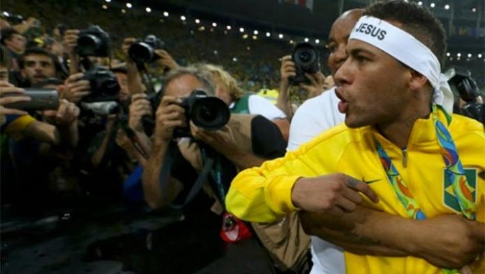 Neymar- Gregorio Martínez.