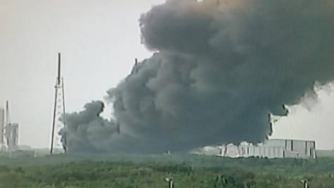 Explota cohete en Cabo Cañaveral- Gregorio Martínez.