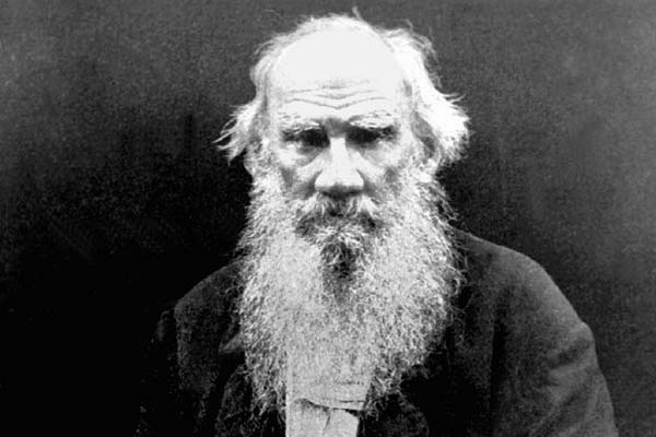 León Tolstoi- Gregorio Martínez.