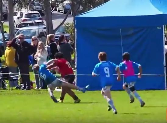 Niño sorprende al jugar rugby- Gregorio Martínez.