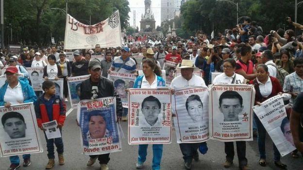 El contingente avanza por Reforma hasta avenida Juárez, cruzará Eje Central, se incorporará a la calle de 5 Mayo hasta el circuito Zócalo, donde se prevé realicen un mitin. Foto: Cortesía