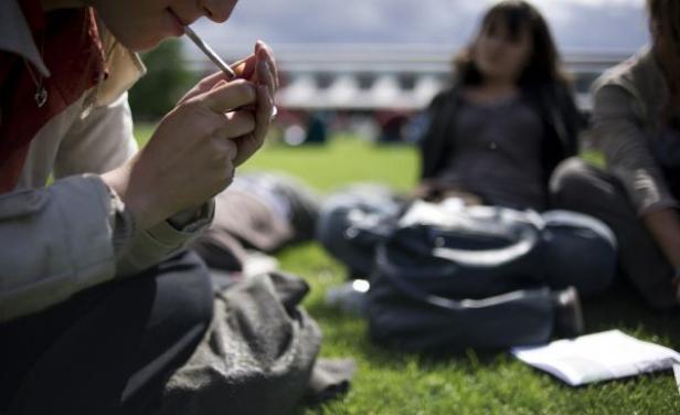 """La Ley estatal de Protección contra la Exposición al Humo del Tabaco señala en el artículo 31 del capítulo VIII que: """"Las escuelas e instituciones educativas, sean públicas, sociales o privadas, deberán coadyuvar de manera individual o colectiva en la vigilancia. Foto: Cortesía"""