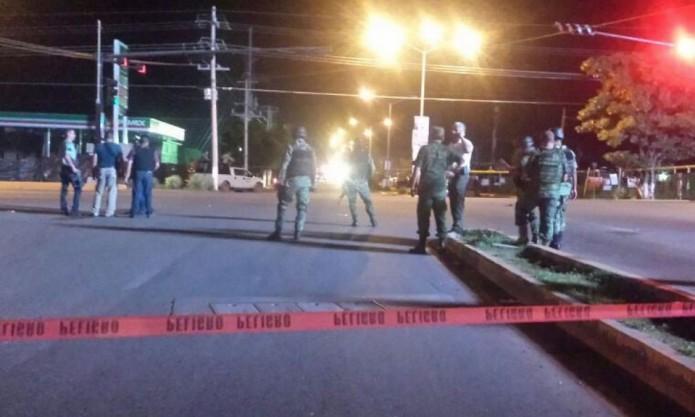 Los vehículos militares quedaron totalmente calcinados tras el enfrentamiento. Foto: Cortesía