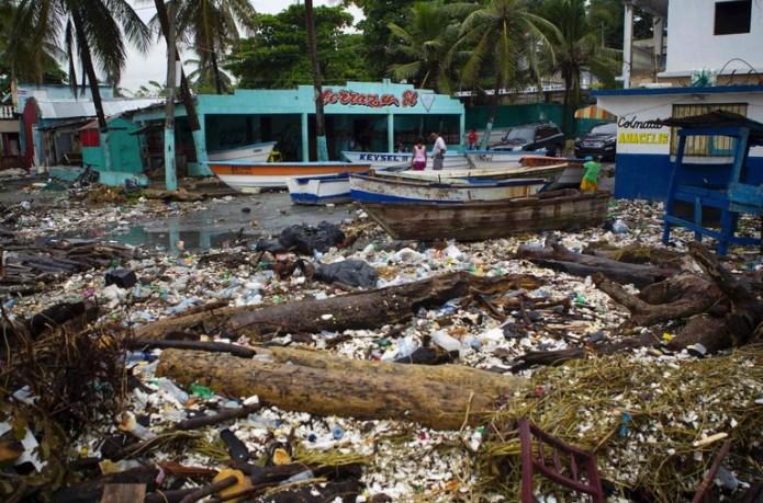 El vórtice de Matthew se ubica a 15 kilómetros al este de Tiburón en Haití. Foto: Cortesía