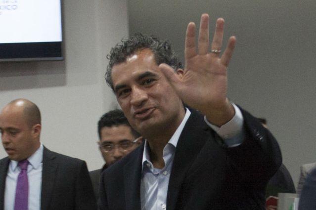 Ochoa Reza descarta buscar la presidencia en 2018