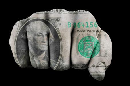 Dólar interbancario baja a 19.59 pesos a la espera de la Fed