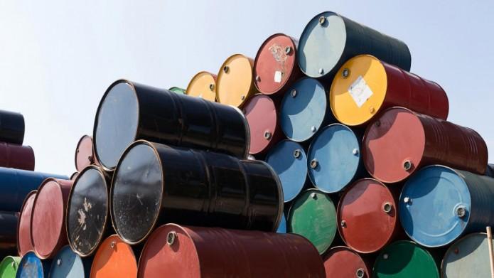Pemex está a punto de caer de los 2 millones de barriles por día