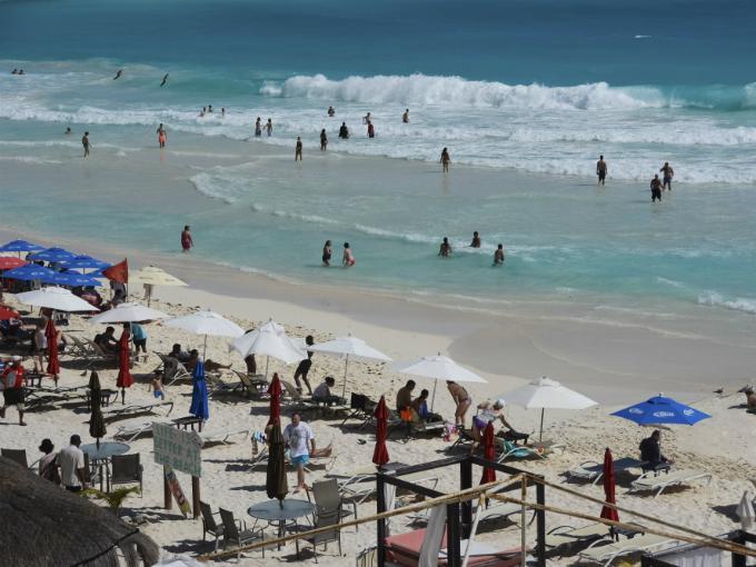 El efecto positivo del dólar caro en el turismo mexicano