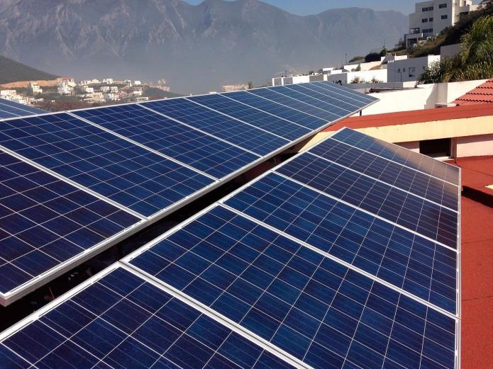 Por ley, escuelas públicas tendrán paneles solares