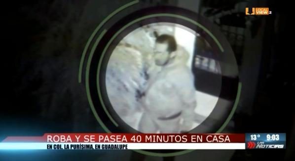 """El """"ladrón cauteloso"""" fue captado en video dentro de una vivienda en la colonia La Purísima, en Guadalupe"""