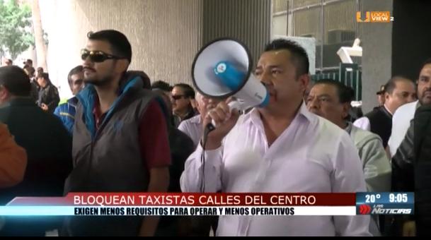 Protestan taxistas. Exigen competencia leal y la destitución del titular de la Agencia Estatal del Transporte