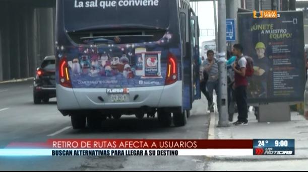 Ayer dejaron de prestar servicio 14 rutas de transporte urbano, afectando a miles de usuarios en NL. #NoAlTarifazo