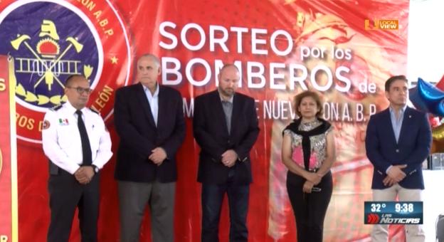 Los Bomberos de Nuevo León buscan alternativas para combatir incendios en edificios