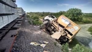noticias monterrey tren embiste a camión